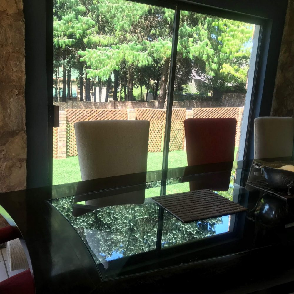 Self cater dining table