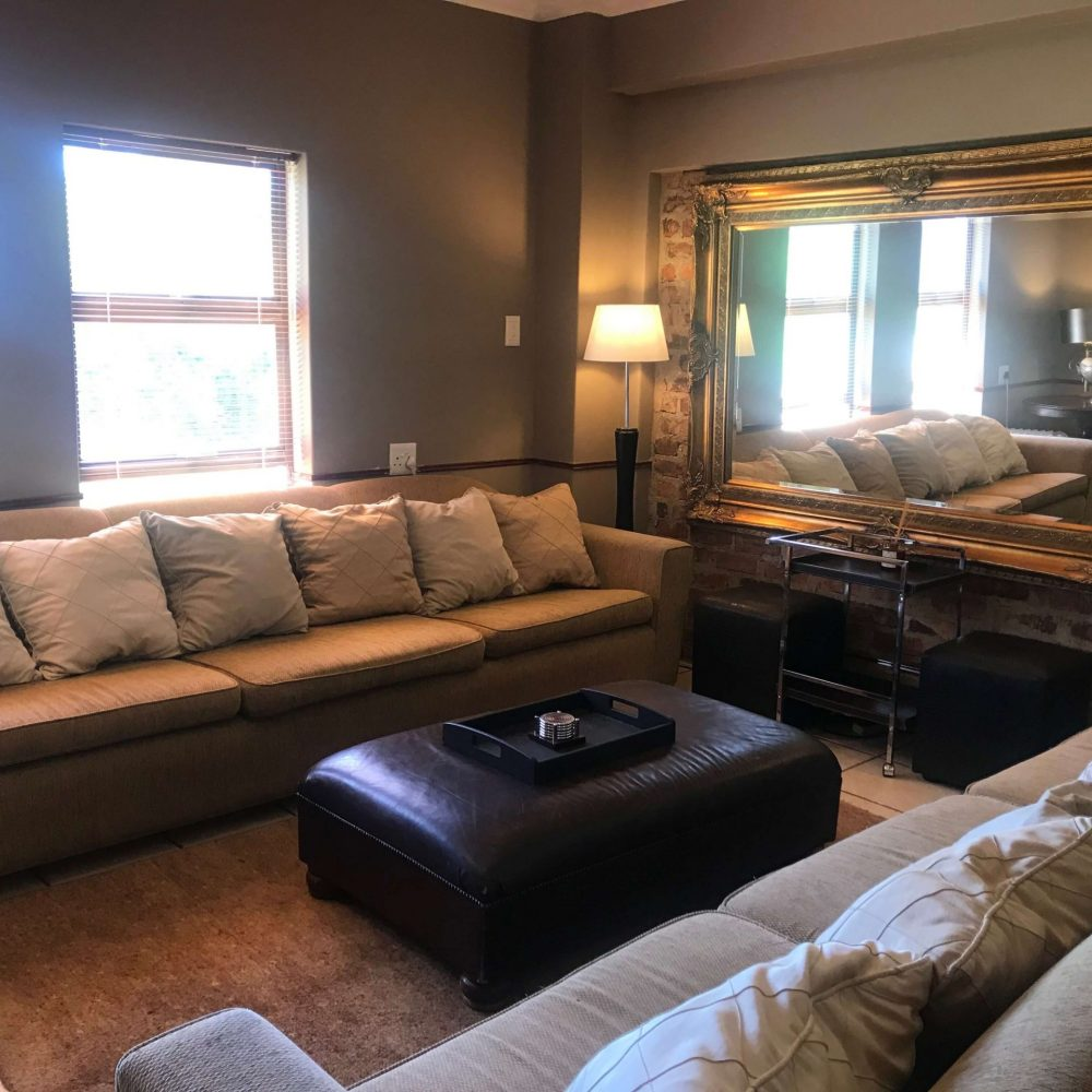 Self cater lounge area